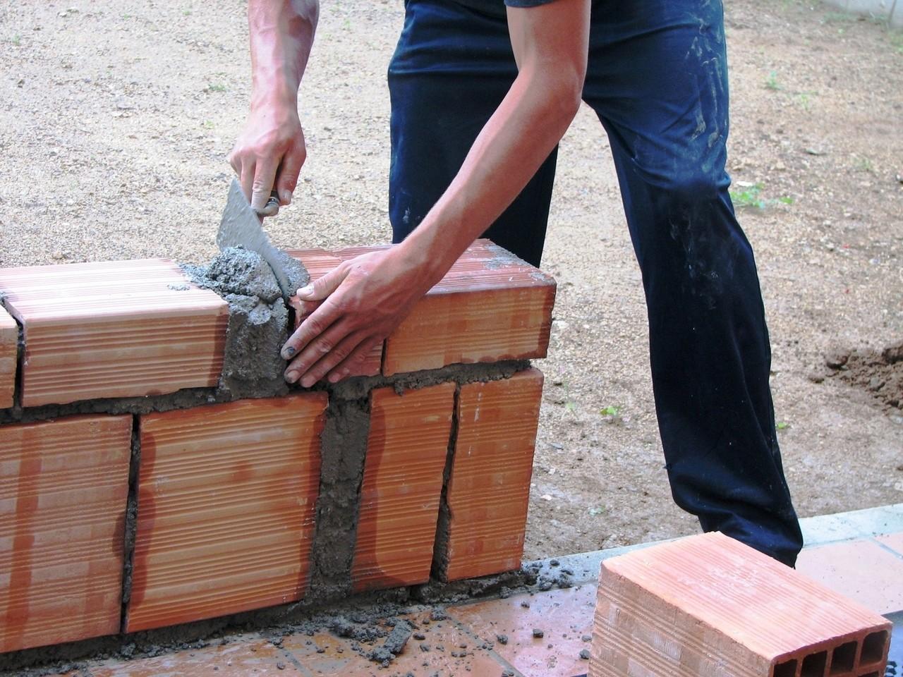Czym zajmuje się firma budowlana?
